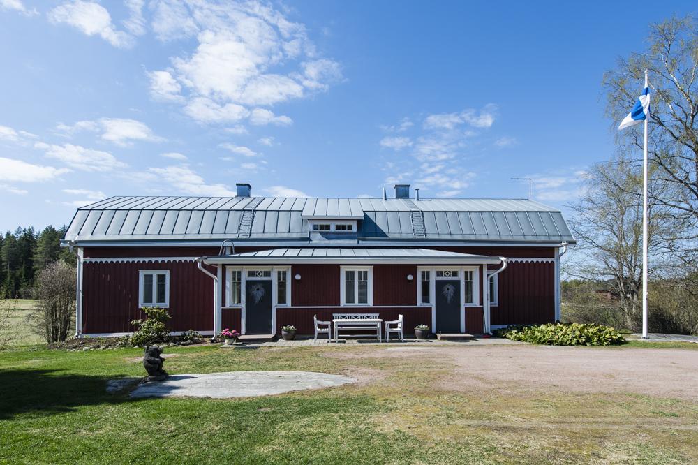 Lammin tilan päärakennus, täysin uudistettu, perinteitä kunnioittaen.